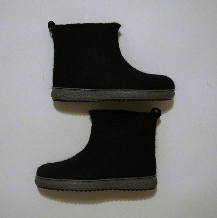 Veltinio batai ir pirštinės Jam