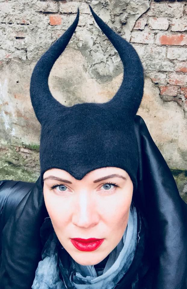 Veltinio kepurė 'Kerėtoja ragana'