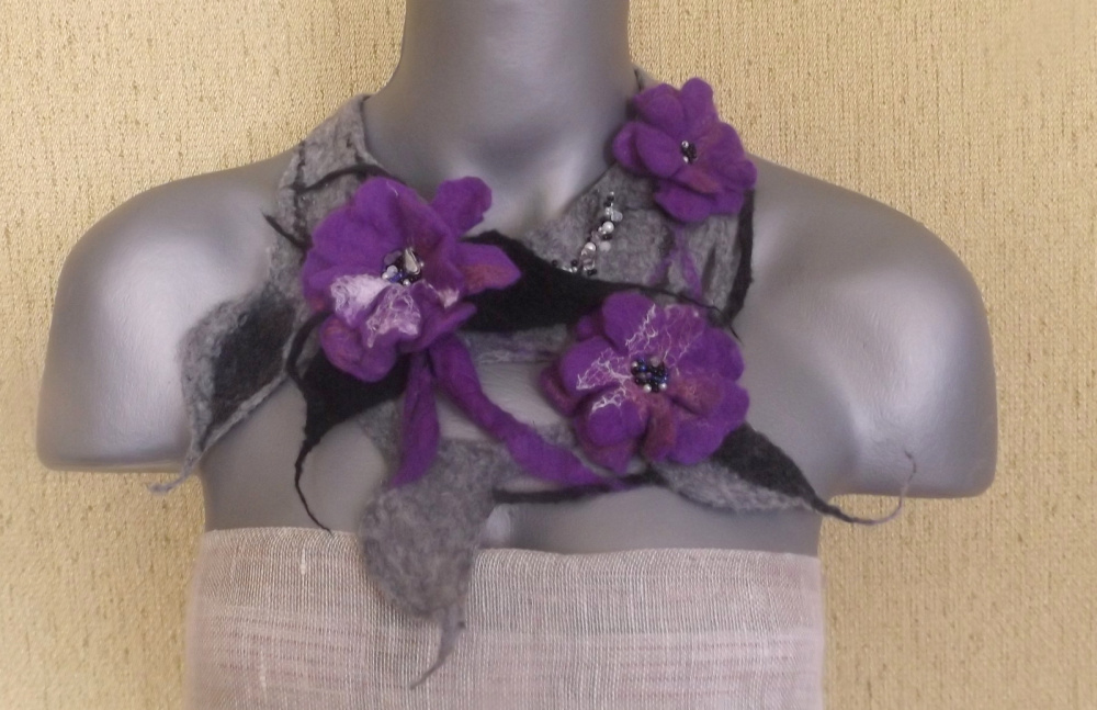 veltinio papuošalas pilka -violetinė