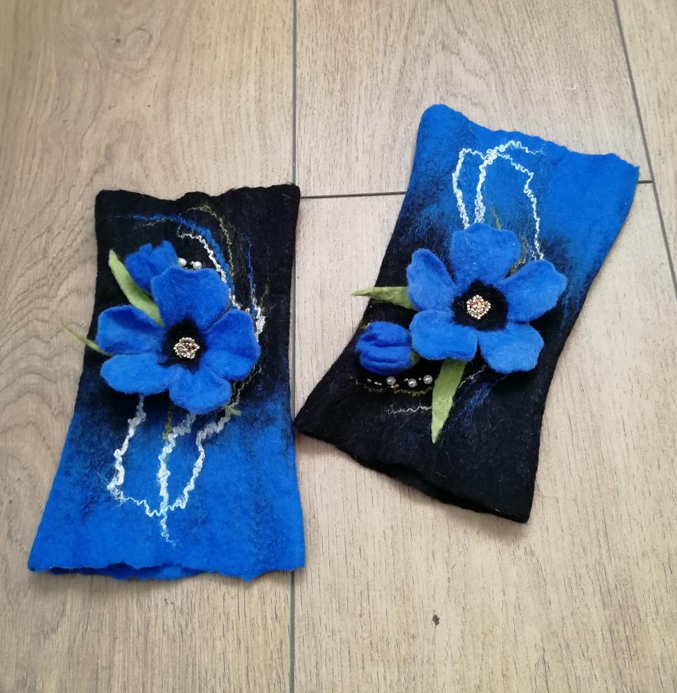 Veltos riešines juoda-mėlyna spalvų