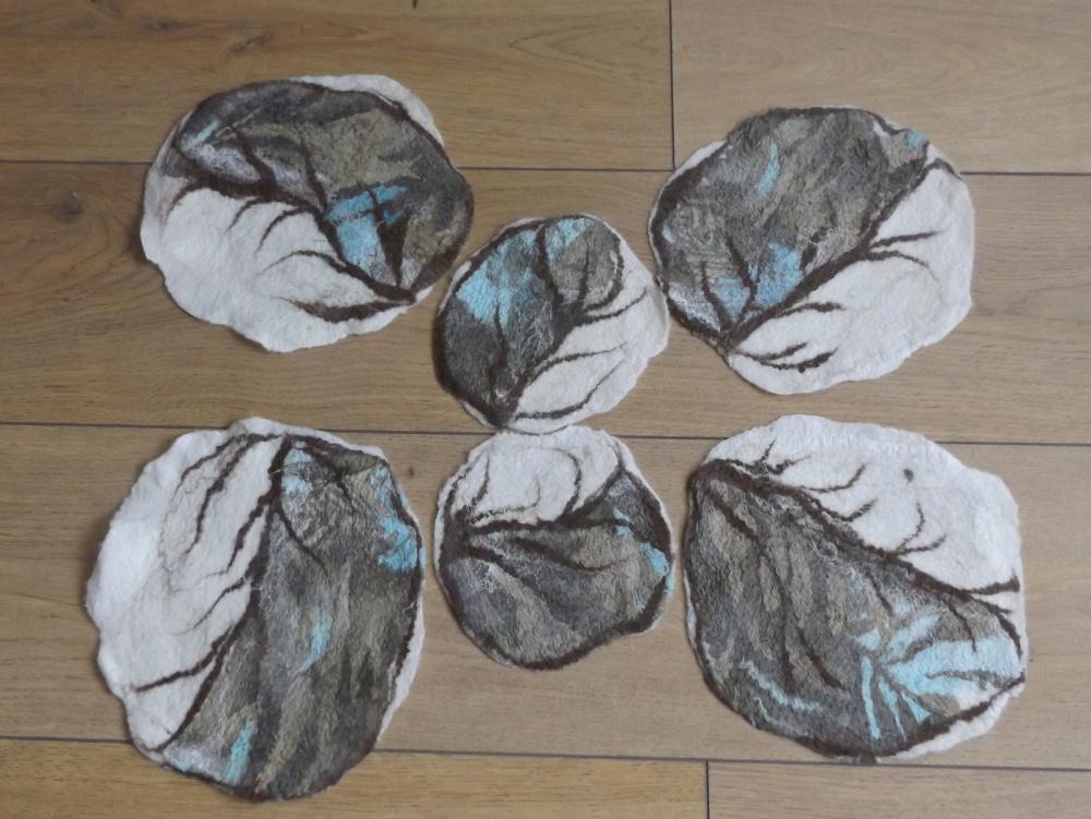 Veltos servetėlės. Veltinio ir šilko derinys