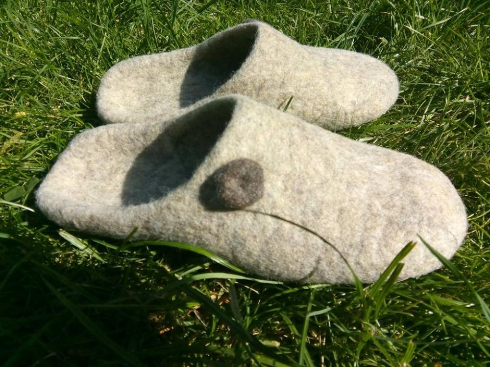 Veltos šlepetės- natūralios pilkiukės