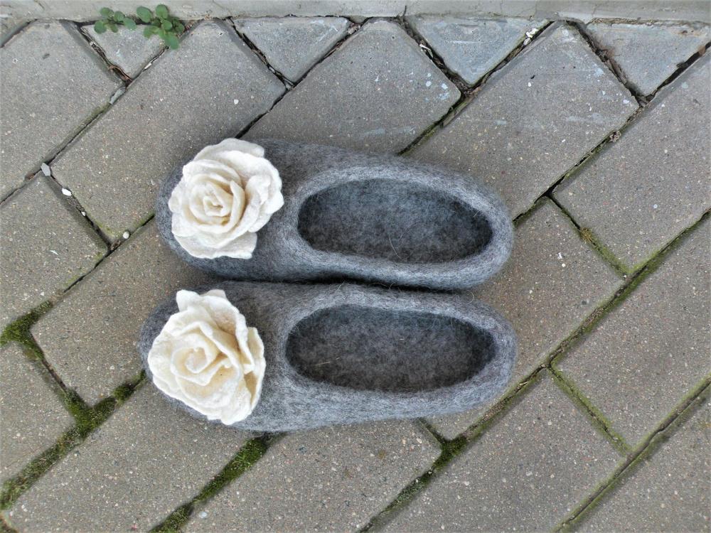 """Veltos šlepetės """"Balta rožė"""""""