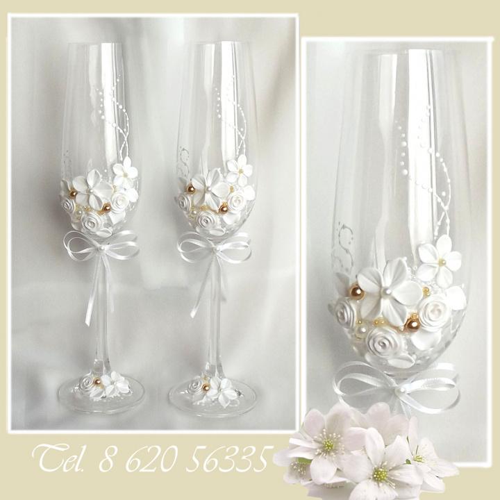 Vestuvinės dekoruotos taures jauniesiems
