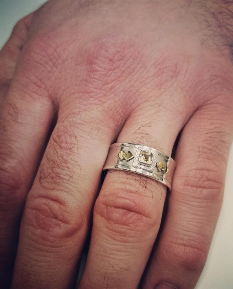 Vyriškas ir moteriškas žiedai