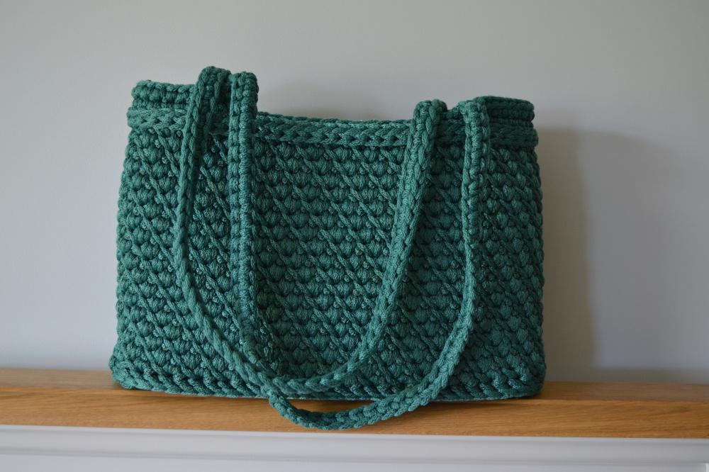 Žalia nerta rankinė