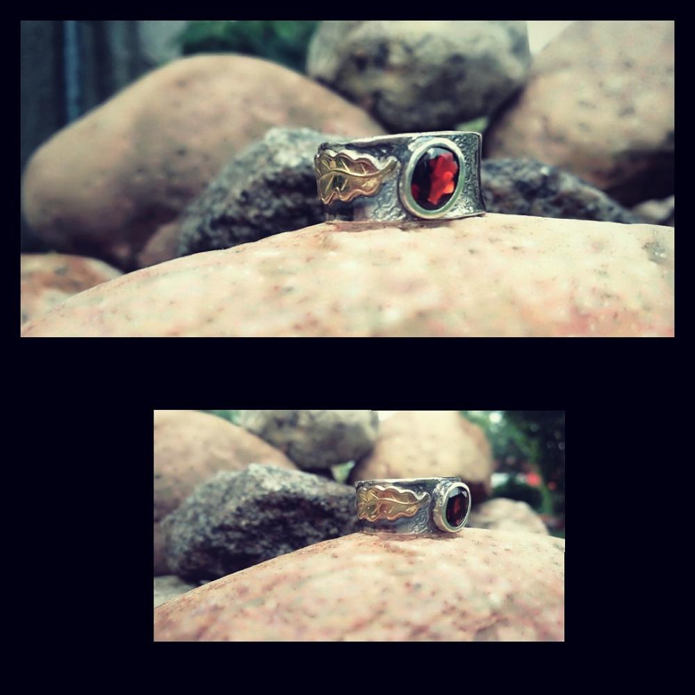 Žiedas su granatų, lapelis
