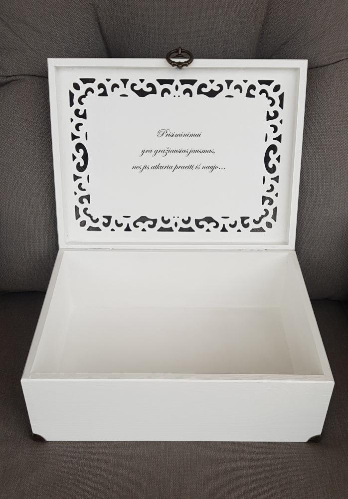 Ažūrinė dėžutė