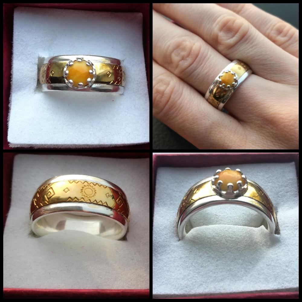 Baltiškas žiedas su gintaru ir simboliais