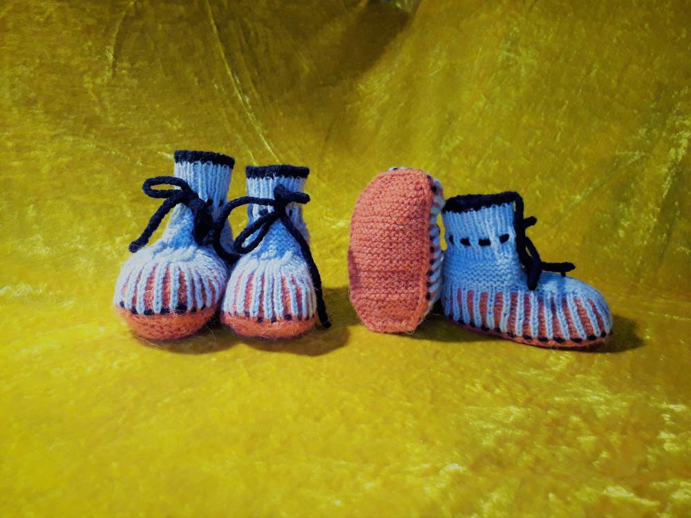 Bateliai kūdikiams, megzti virbalais