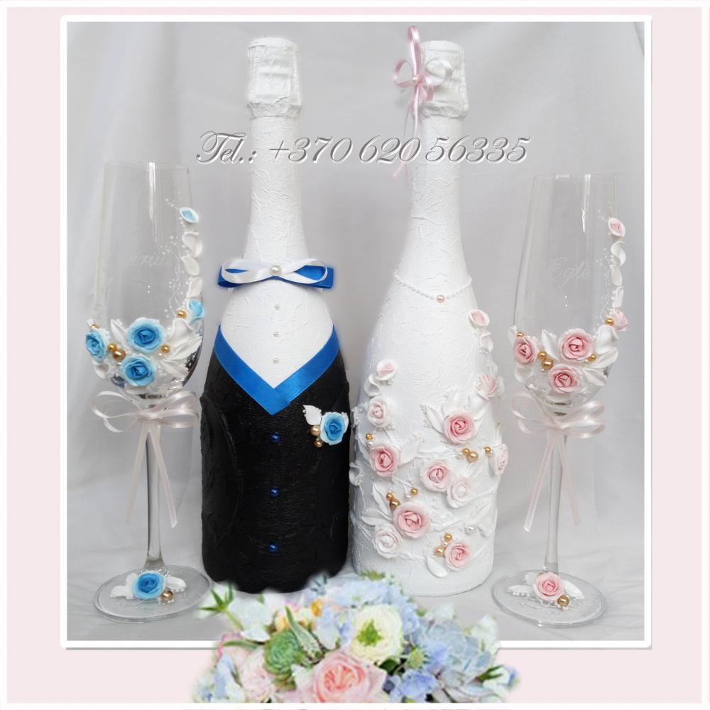 Dekoruoti buteliai - stalo puosmena