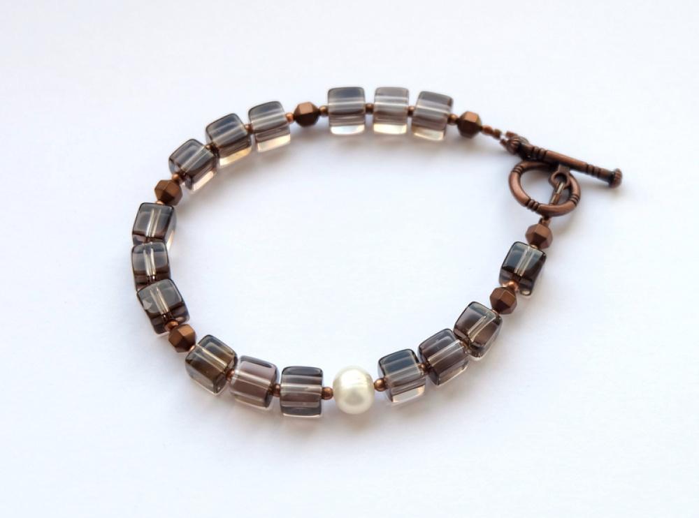 Dūminio kvarco ir gėlavandenių perlų vėrinys ir apyrankė