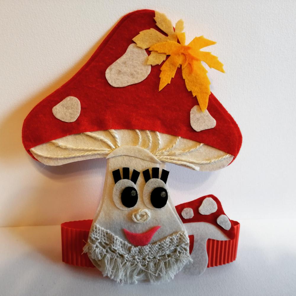 Gražuolės Musmirės karūnėlė Rudenėlio šventei