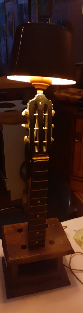 Guitar lamp