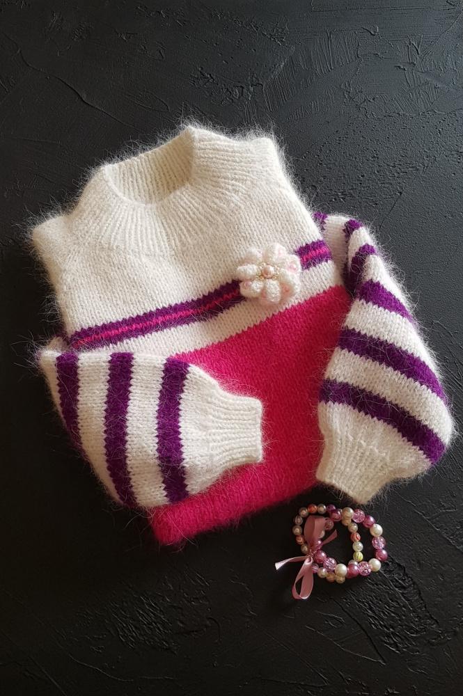 Megztinis mergaitei
