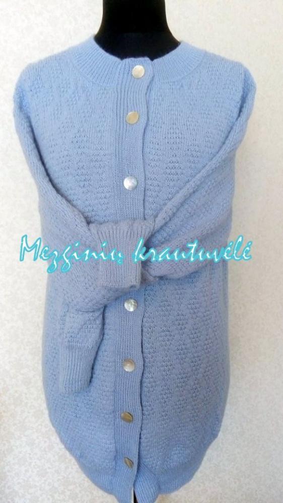 Megztinis moteriškas , užsagstomas iš alpakų vilnos siūlo