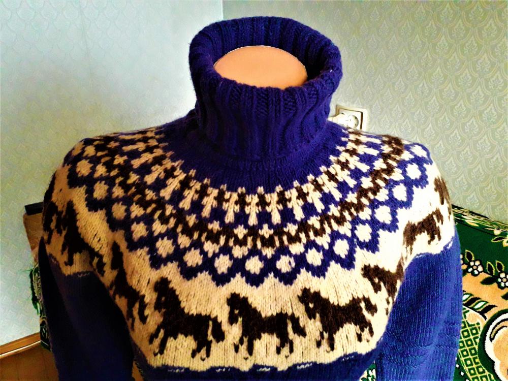 "Megztinis ""Arkliai"" megztas virbalais"