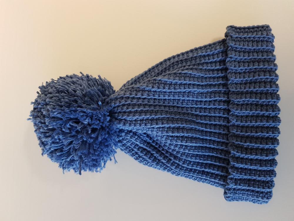Mėlyna kepurė bwrniukui