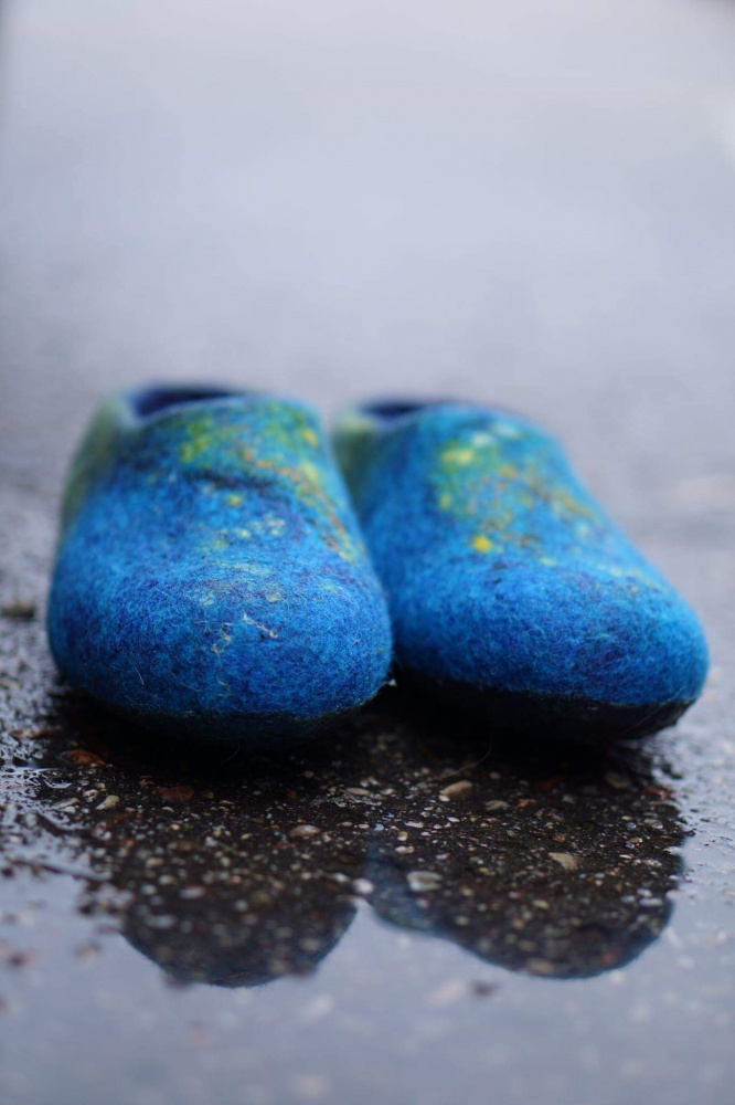 Mėlynos veltos moteriškos šlepetės
