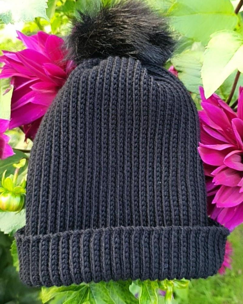 Nerta kepurė su kailiniu kutu 1