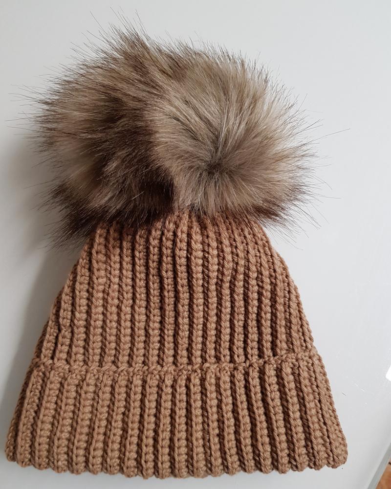 Nerta ruda kepurė