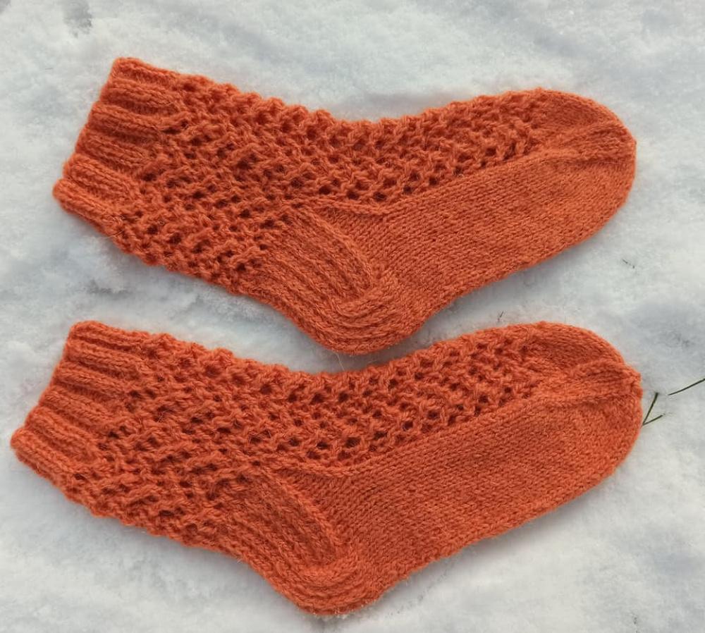 Persikinės vilnonės kojinės