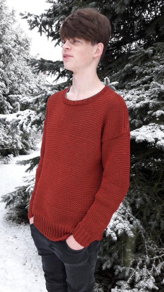 Plytų spalvos megztinis
