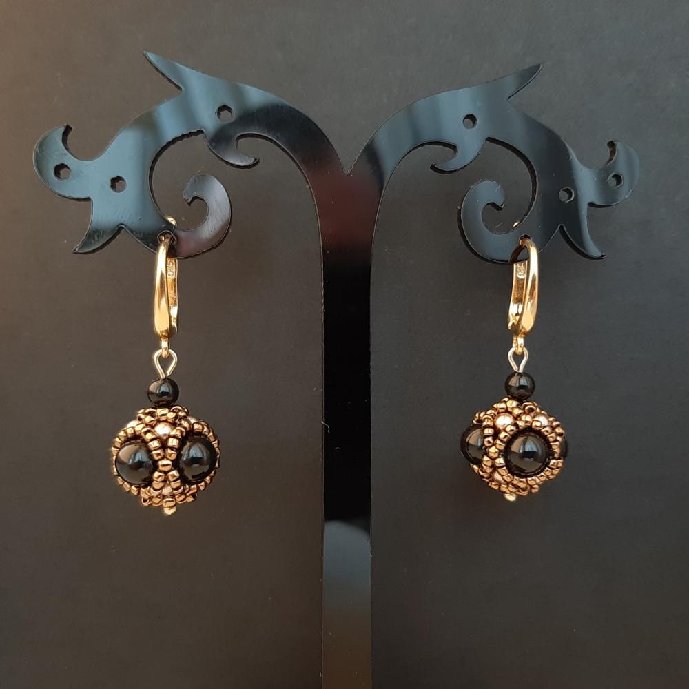 Rankų darbo auskarai iš Swarovski perlų ir paauksuotų sidabrinių detalių