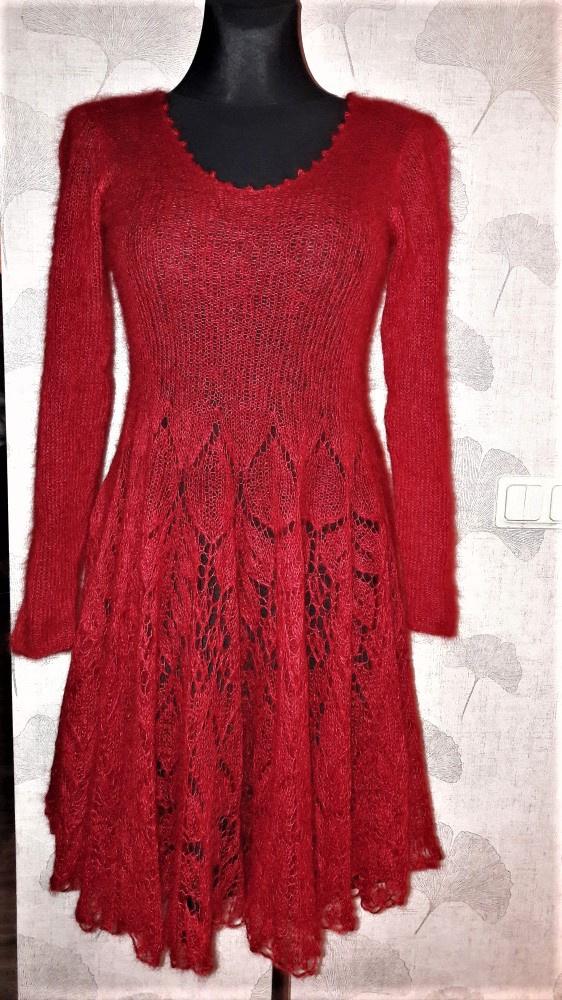Raudona suknelė 2