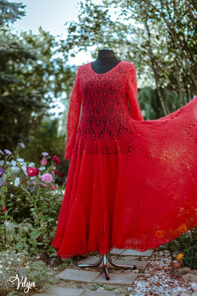 Raudonoji suknelė