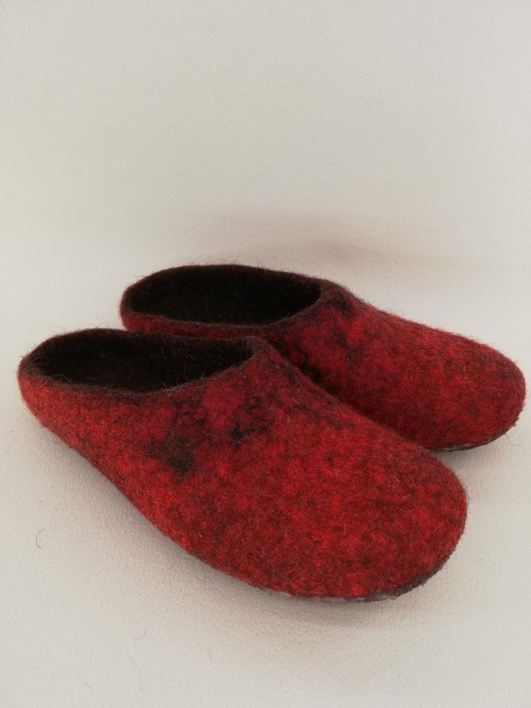 raudonos šlepetės