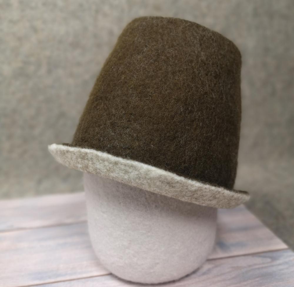 Ruda pirties kepurė