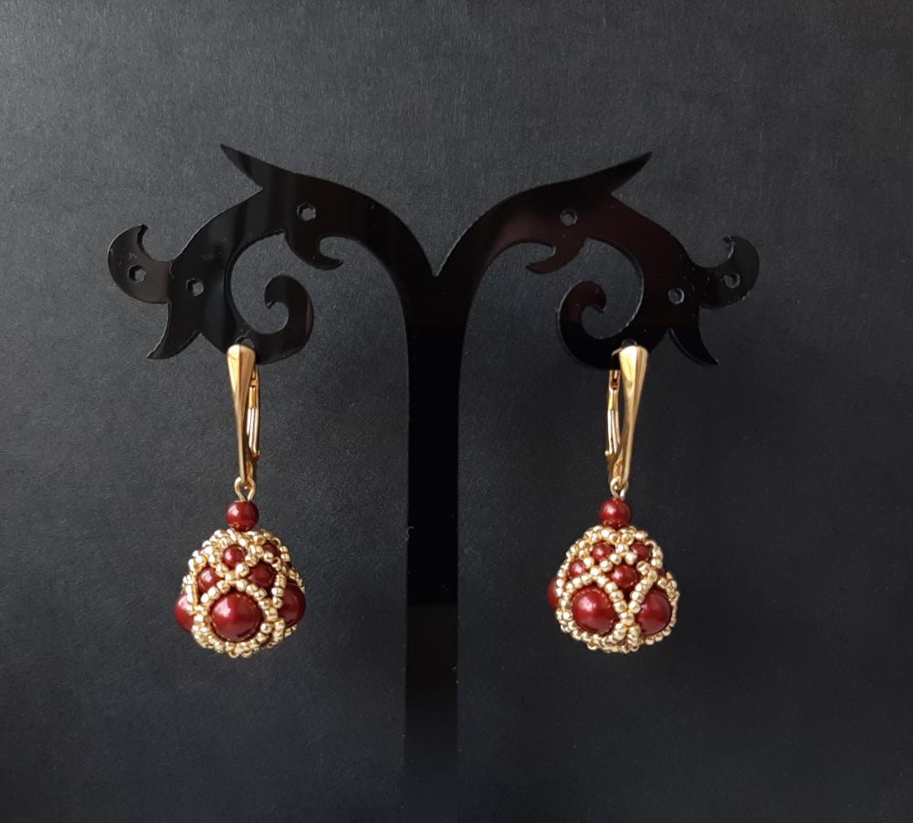 Ryškūs rankų darbo auskarai iš Swarovski perlų ir paauksuotų sidabrinių detalių