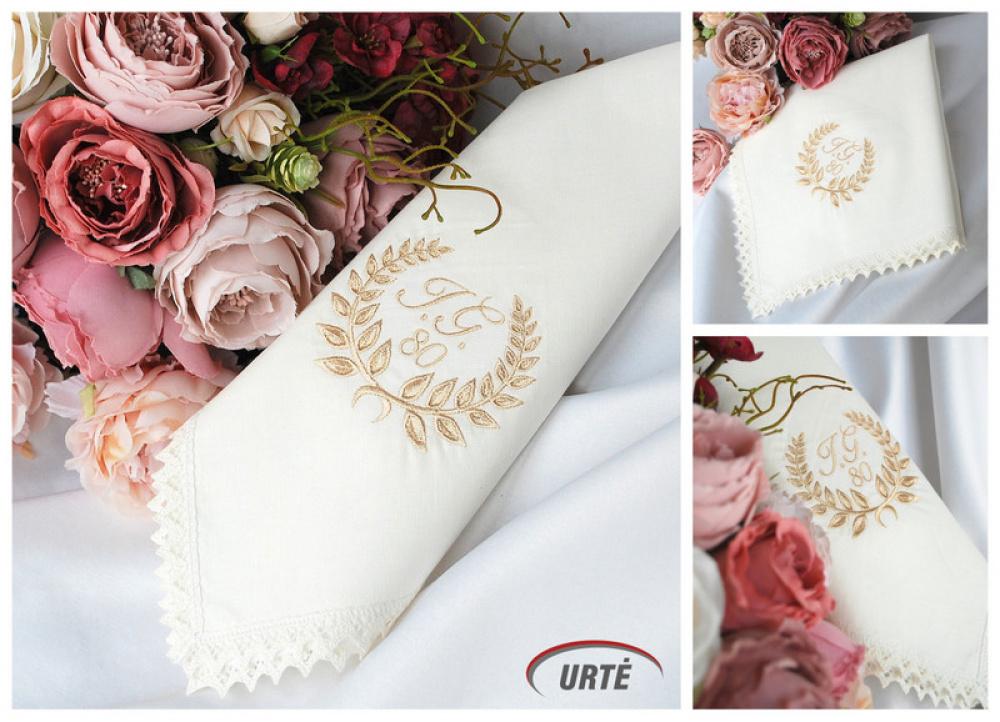 Siuvinėta servetėlė - dovana močiutei 80 jubiliejaus proga