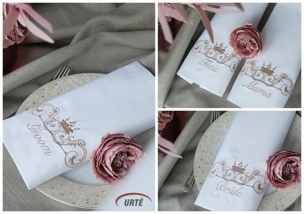 Siuvinėtos servetėlės vestuvėms - pelenų rožė