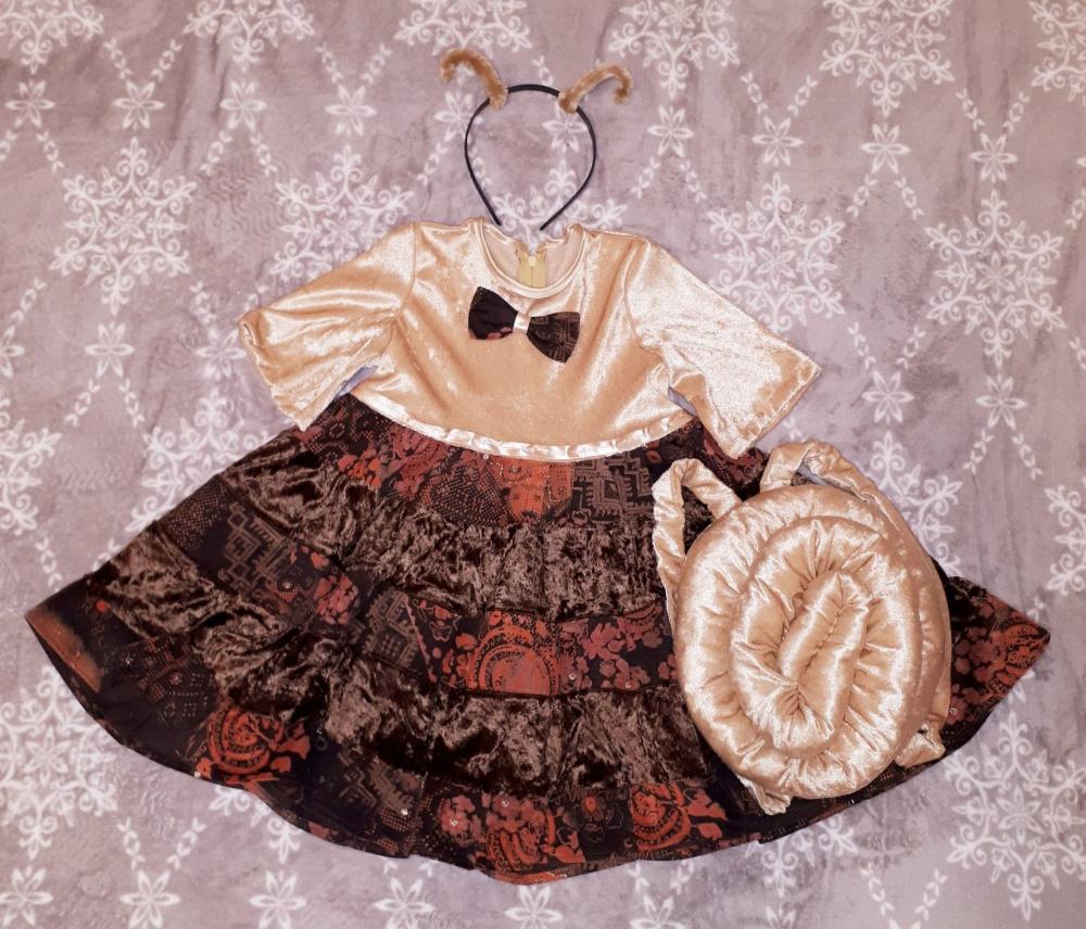 """Sraigės kostiumas mergaitei: suknelė, sraigės namelis - kuprinė, lankelis su """"antenomis"""""""