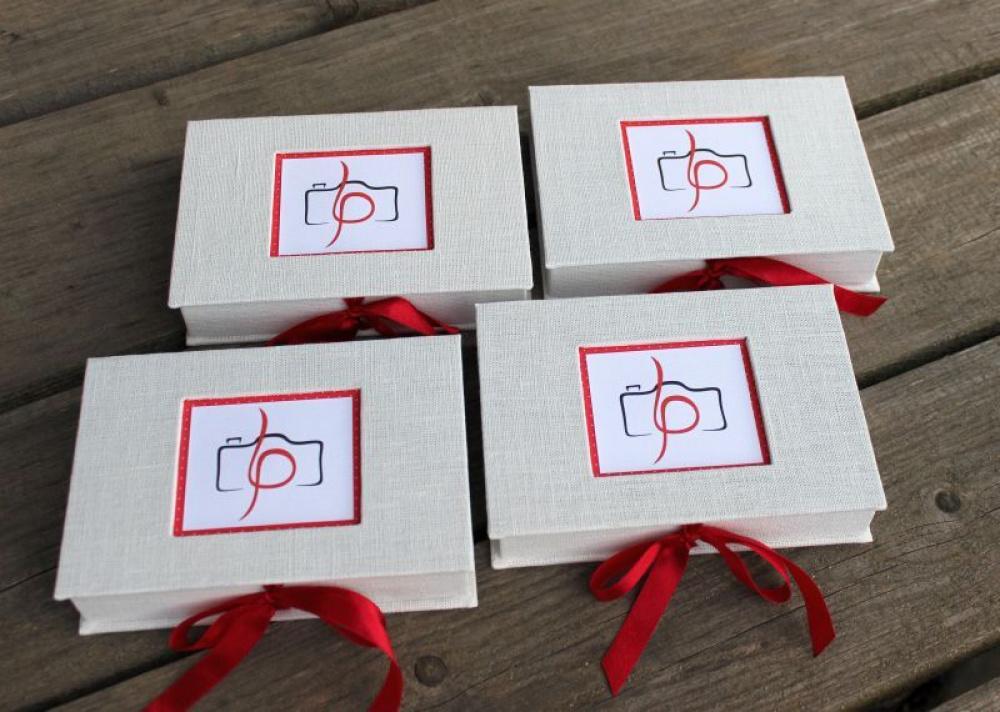 """usb ir nuotraukų dėžutės """"Raudona balta"""""""