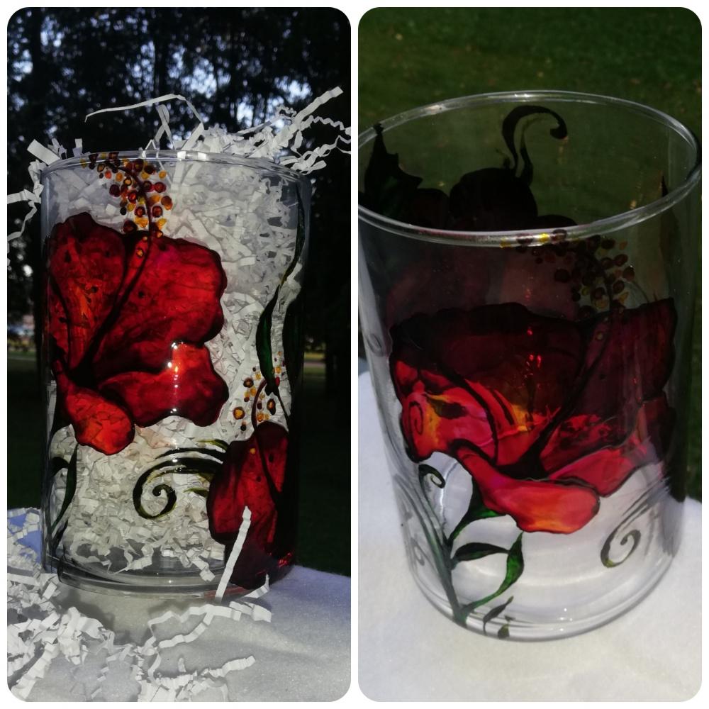Vaza - Raudonos gėlės