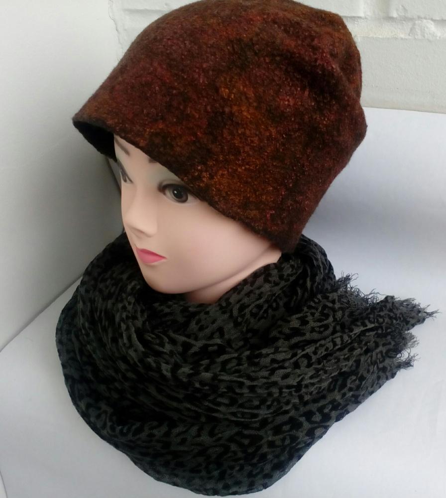 Velta dvipusė kepurė bini