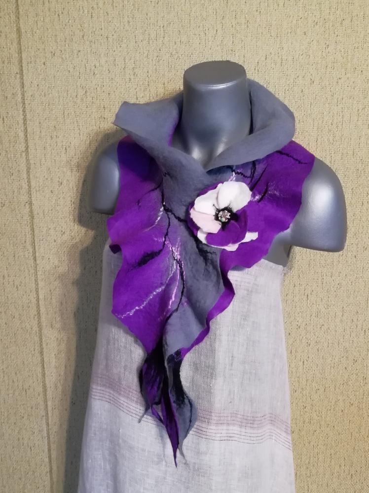 Veltas šalikas su sage pilkos-violetinės spalvos