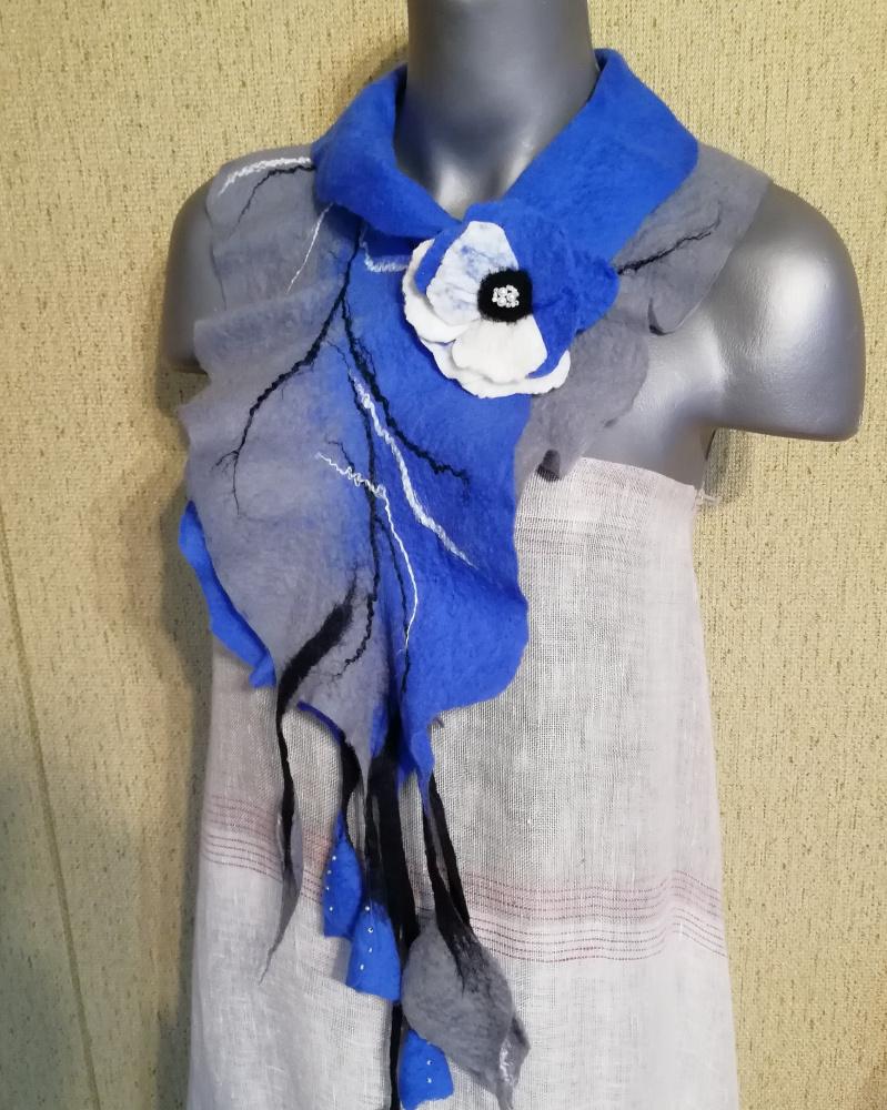 Veltas šalikas su sage rugiagėlių mėlyna-pilka