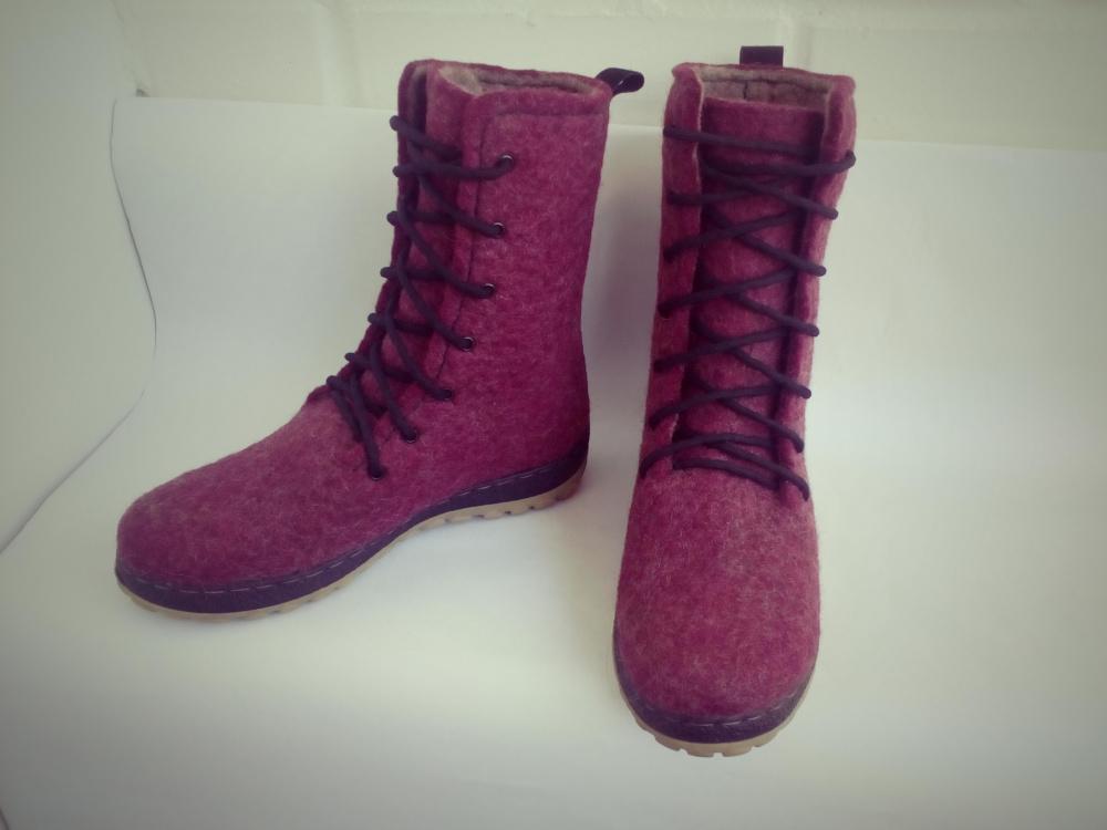 velti batai su raišteliais