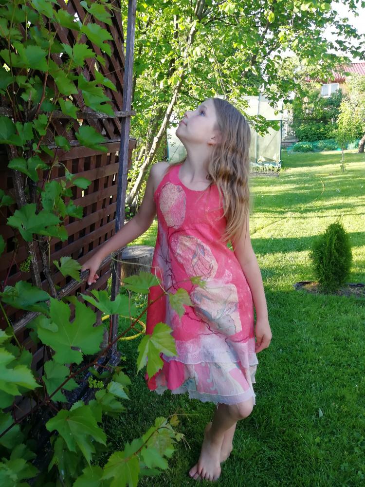 Veltinio suknelė mergaitei.