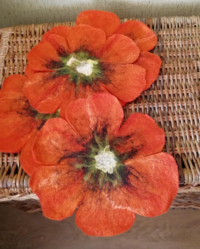 Veltos servetėlės oranžinės gėlės