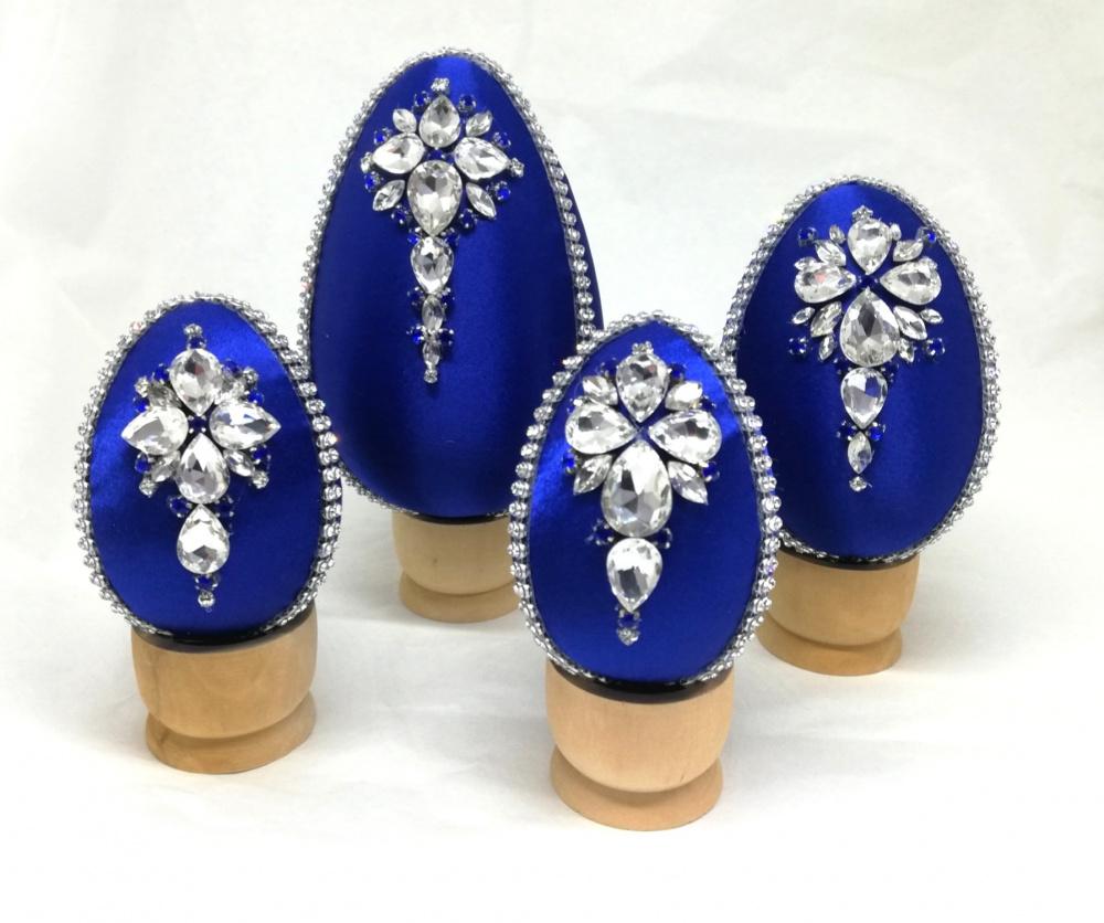 Velykiniai kiaušiniai dekoruoti kristalais Mėlynieji