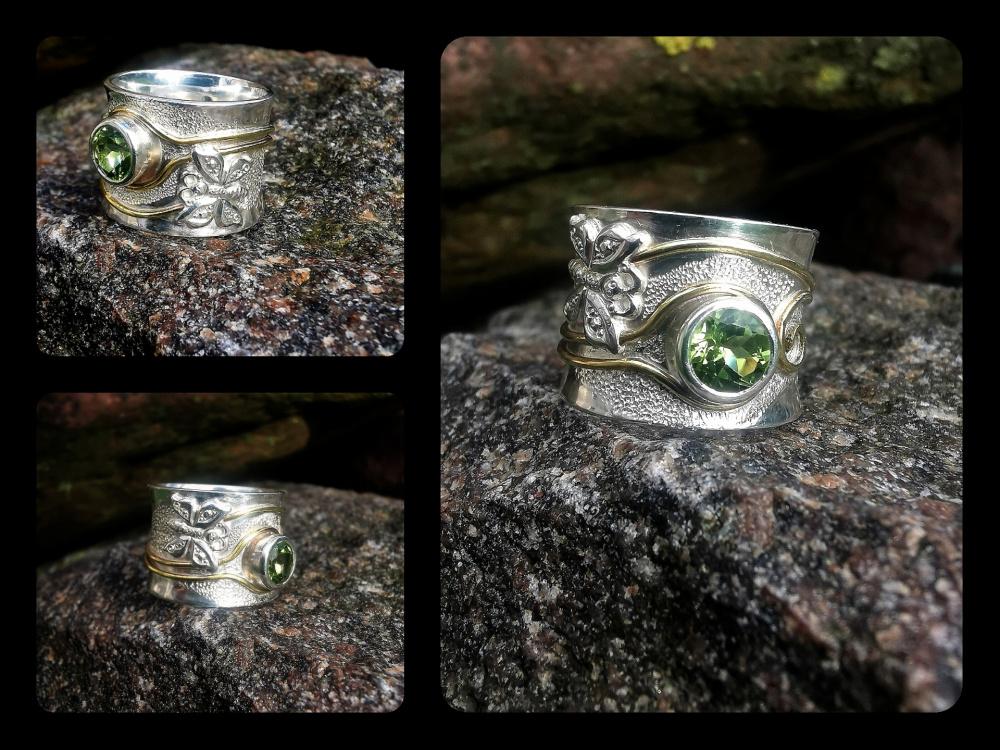 Žiedas su drugeliu ir žaliu peridotu