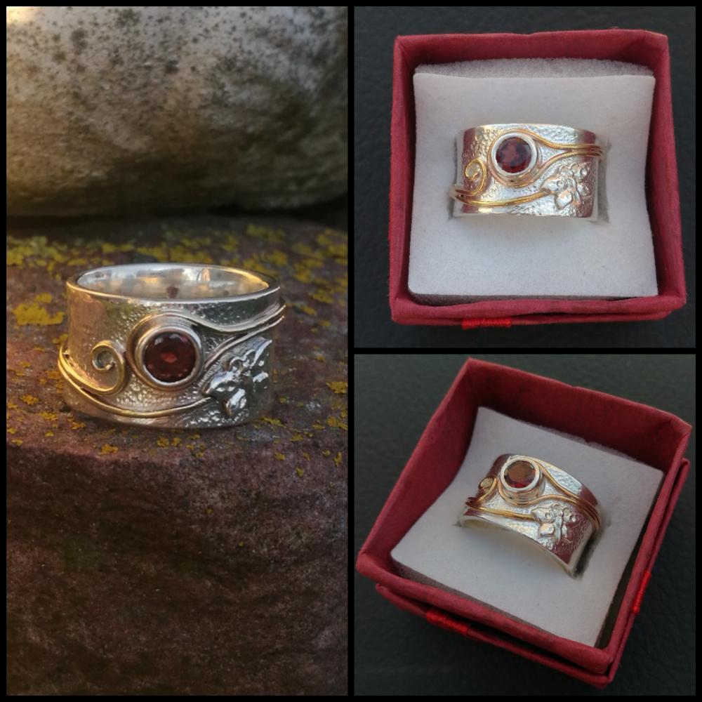 Žiedas su rubinu ir drugeliu