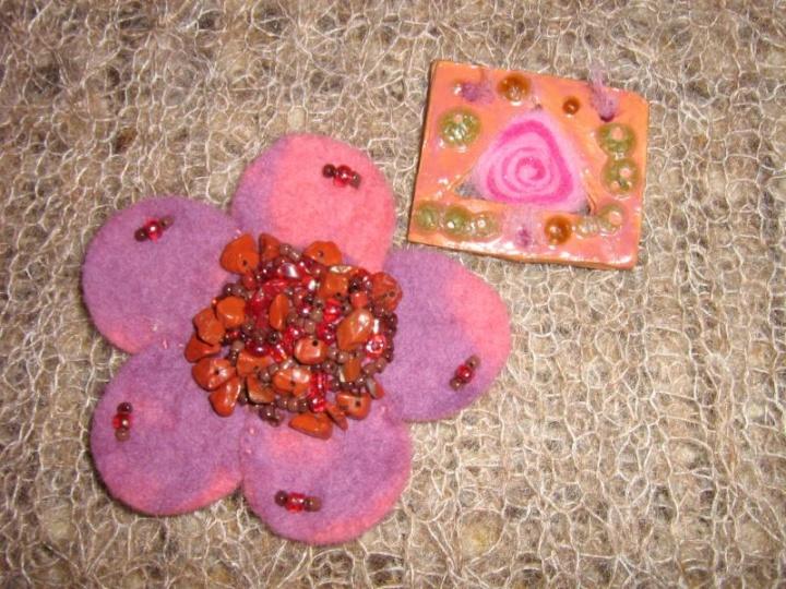 rožinės segės