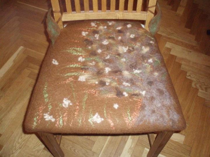 Apranga kėdei-Medis vėjui