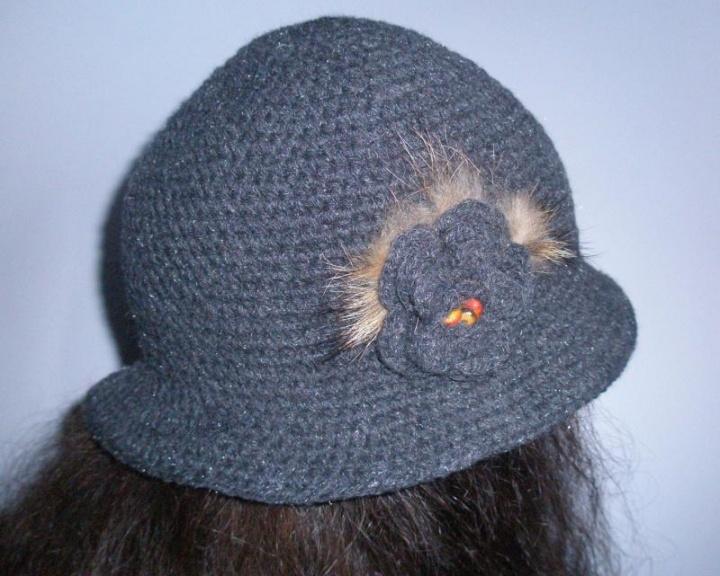 rudeninė skrybėlaitė